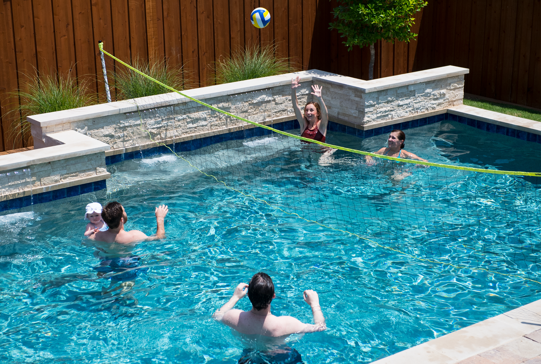 Great Family Outdoor Pool Volleyball Net System With